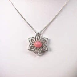 Conch-Pearl-Flower-Necklace
